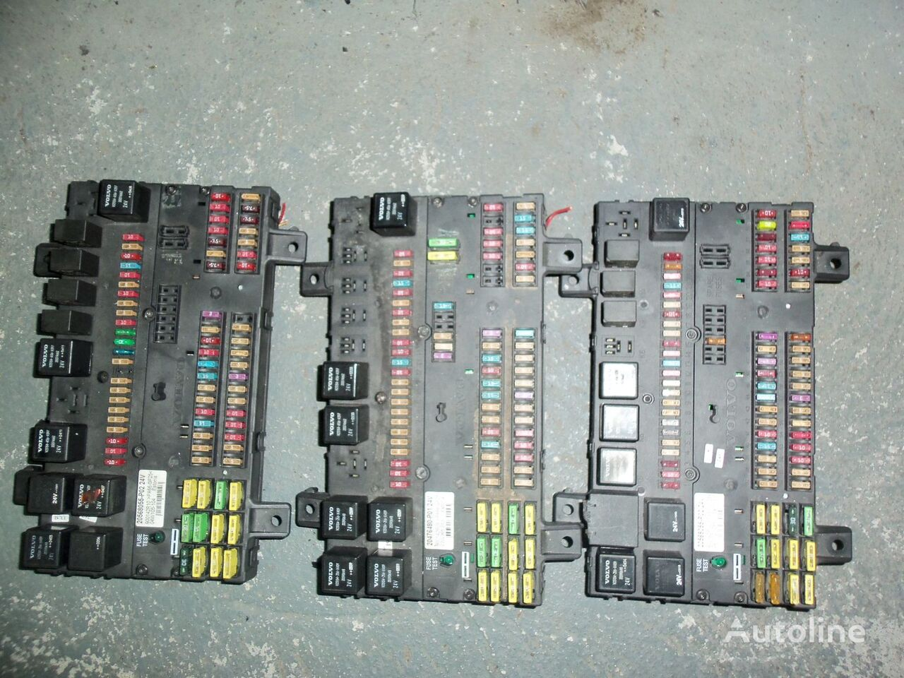 hight resolution of volvo fuse and relay center central electrical box 20568055 217 fuse block for volvo