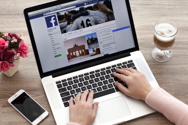 Como fazer uma transmissão ao vivo pelo Facebook: Quem avisa - com antecedência - amigo é