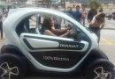 Renault Twizy en exhibición de vehículos eléctricos en Ambato