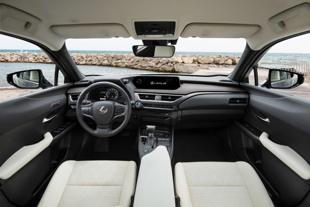Primeiro ensaio Lexus UX250h: o mais importante de sempre? | Automais
