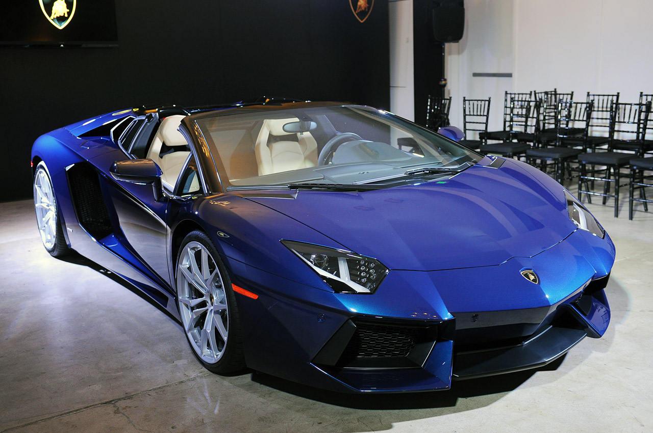 Lamborghini Aventador Roadster Launching This January In