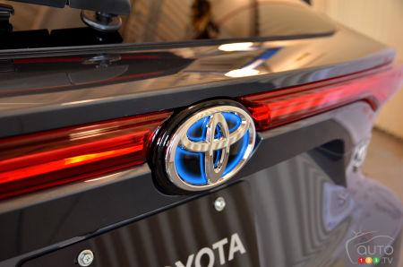 2021 Toyota Venza , logo trunk