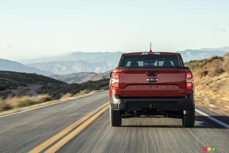 Ford Maverick, rear