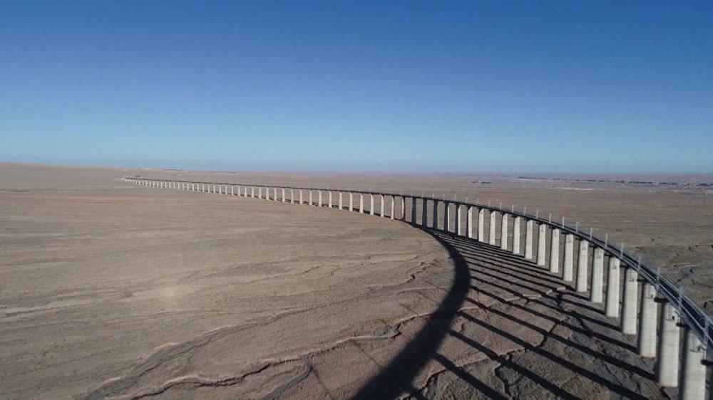 China's new railway makes circular network with Qinghai, Tibet and Xinjiang lines