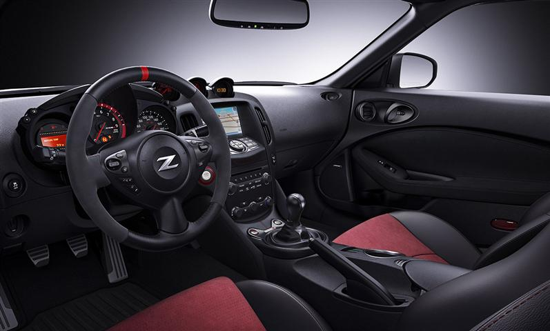 New Nissan Z interior