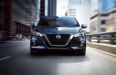 2021 Nissan Altima Platinum Exterior Front Angle With V-Motion Grille