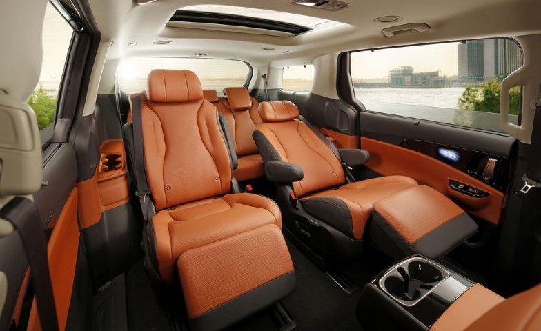 2022 Kia Sedona Minivan with Captain Seat