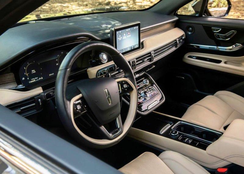 2022 Lincoln Mark E Interior features