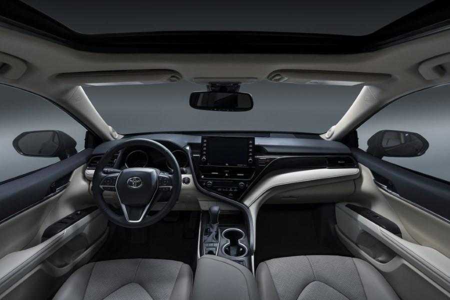 2022 Toyota Camry XLE Interior Dashboard