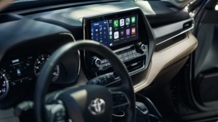 2022 Toyota Highlander Infotaiment with Apple Carplay and JBL Audio Speaker