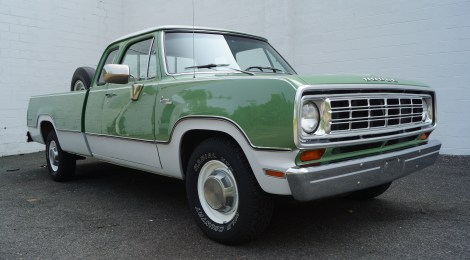 1973 Dodge D200 Adventurer Club Cab