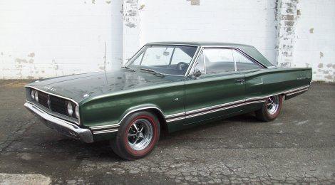 SOLD 1967 Dodge Coronet 500: 4spd, 440, 35kmi