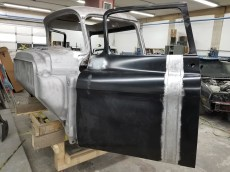 Chevy Apache Restomod by Automotion Classics (1)
