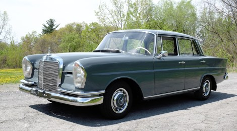 1965 Mercedes-Benz 230S 4-Speed
