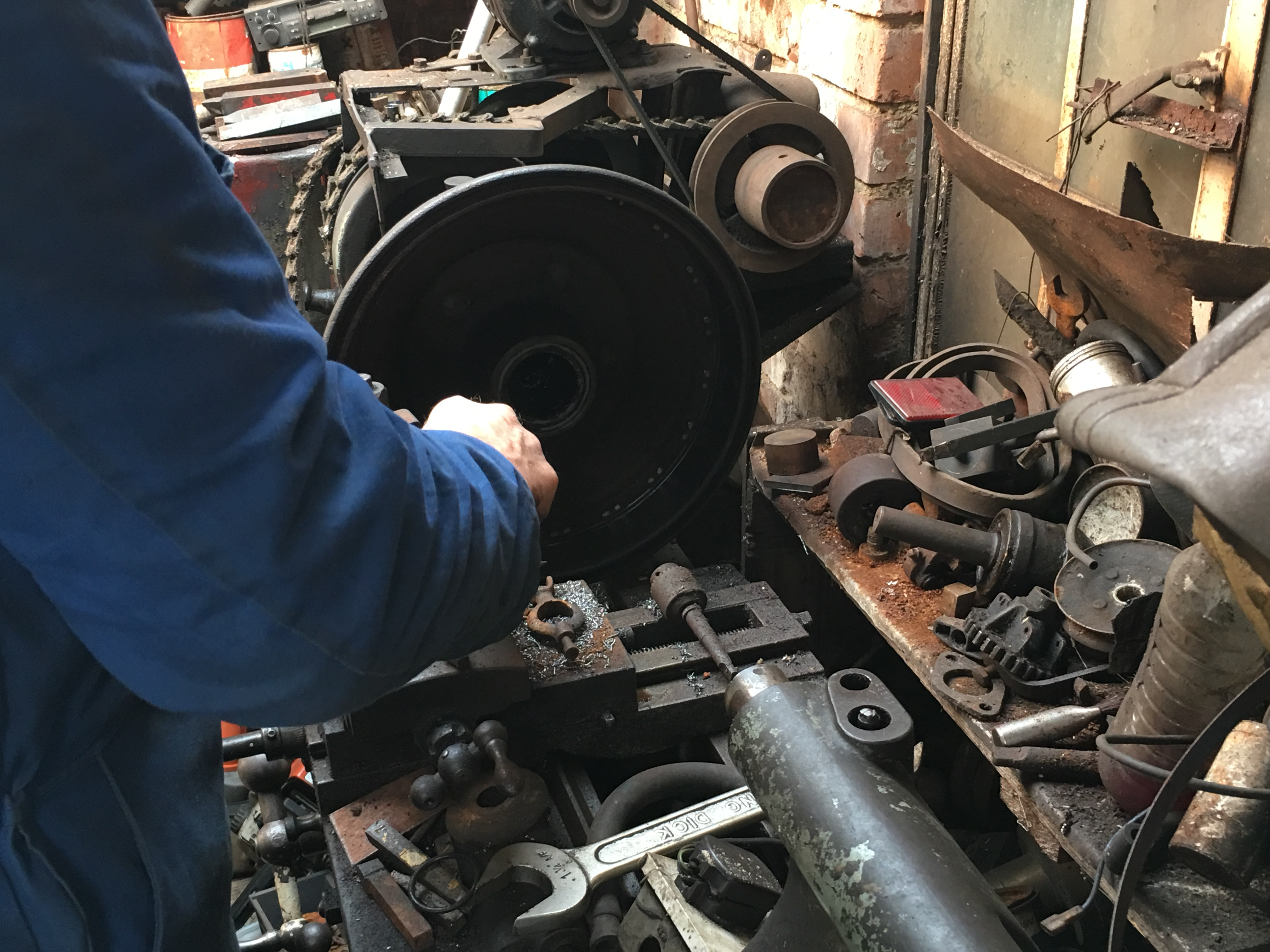 Removing material from the brake drum