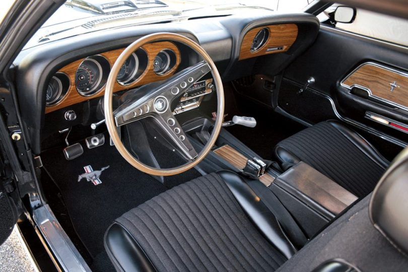 hmn0213-musclecarprofile-interior-970x647