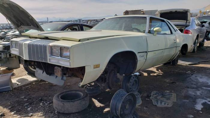 00-1977-oldsmobile-cutlass-supreme-in-colorado-wrecking-yard-photo-by-murilee-martin