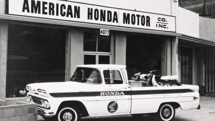 chevy-truck-restored-by-honda