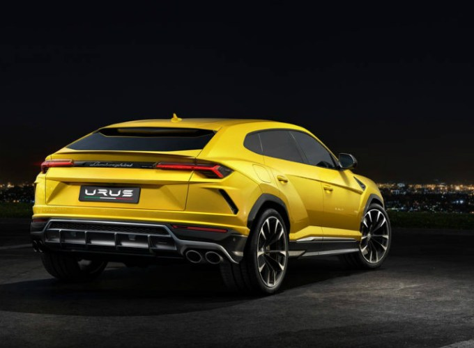 2019 Lamborghini Urus Wearing the Bull