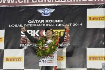 01_guintoli_podium