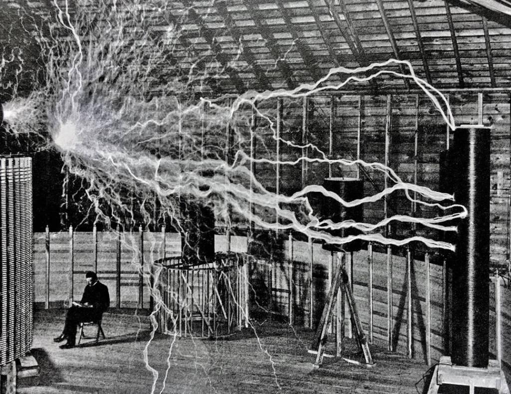 Nikola Tesla y su misterioso auto eléctrico
