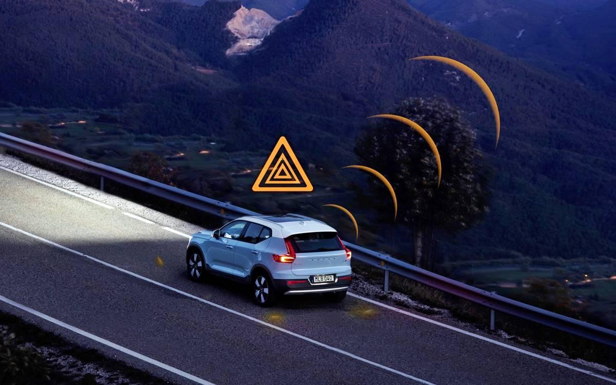 Los Volvo se advertirán entre sí de peligros en la carretera