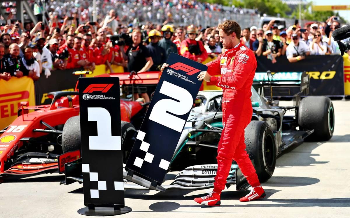Nico Rosberg le apunta a Sebastian Vettel