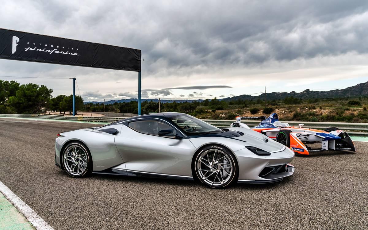 Con la compra de un Pininfarina Battista, gratis una prueba sobre un Fórmula E