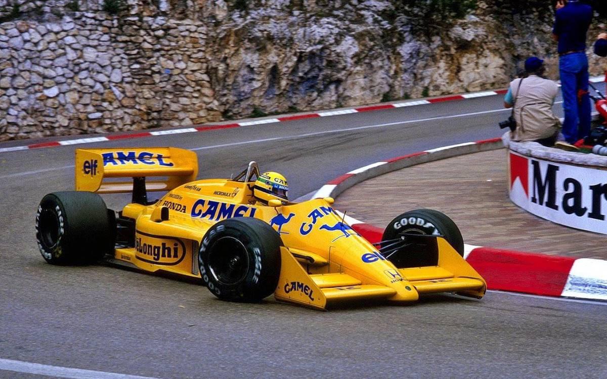 Lotus 99T Ayrton Senna 2