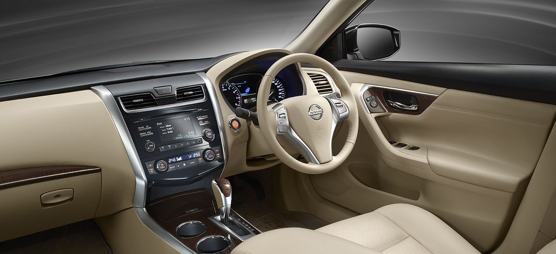 Interior Nissan Teana J33  AutonetMagz  Review Mobil