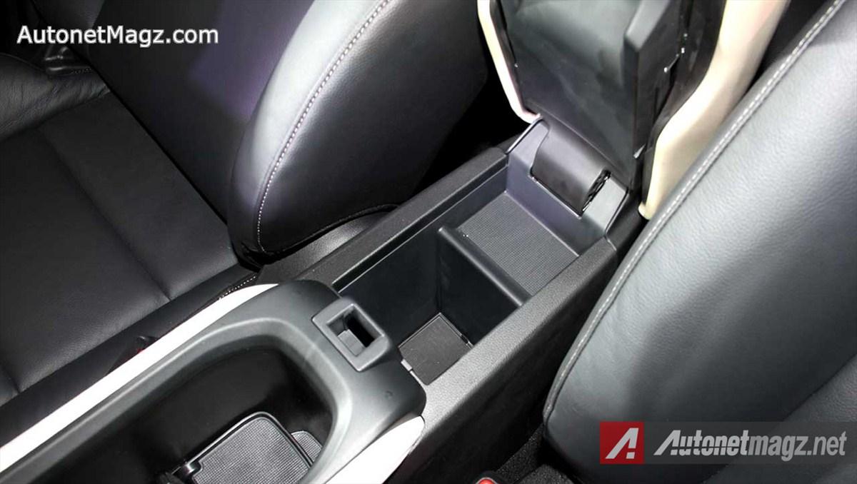 HondaHRVPrestigeCenterConsoleStorage  AutonetMagz
