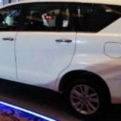 Meja Lipat All New Kijang Innova Yaris Trd Sportivo 2018 Toyota Autonetmagz Review