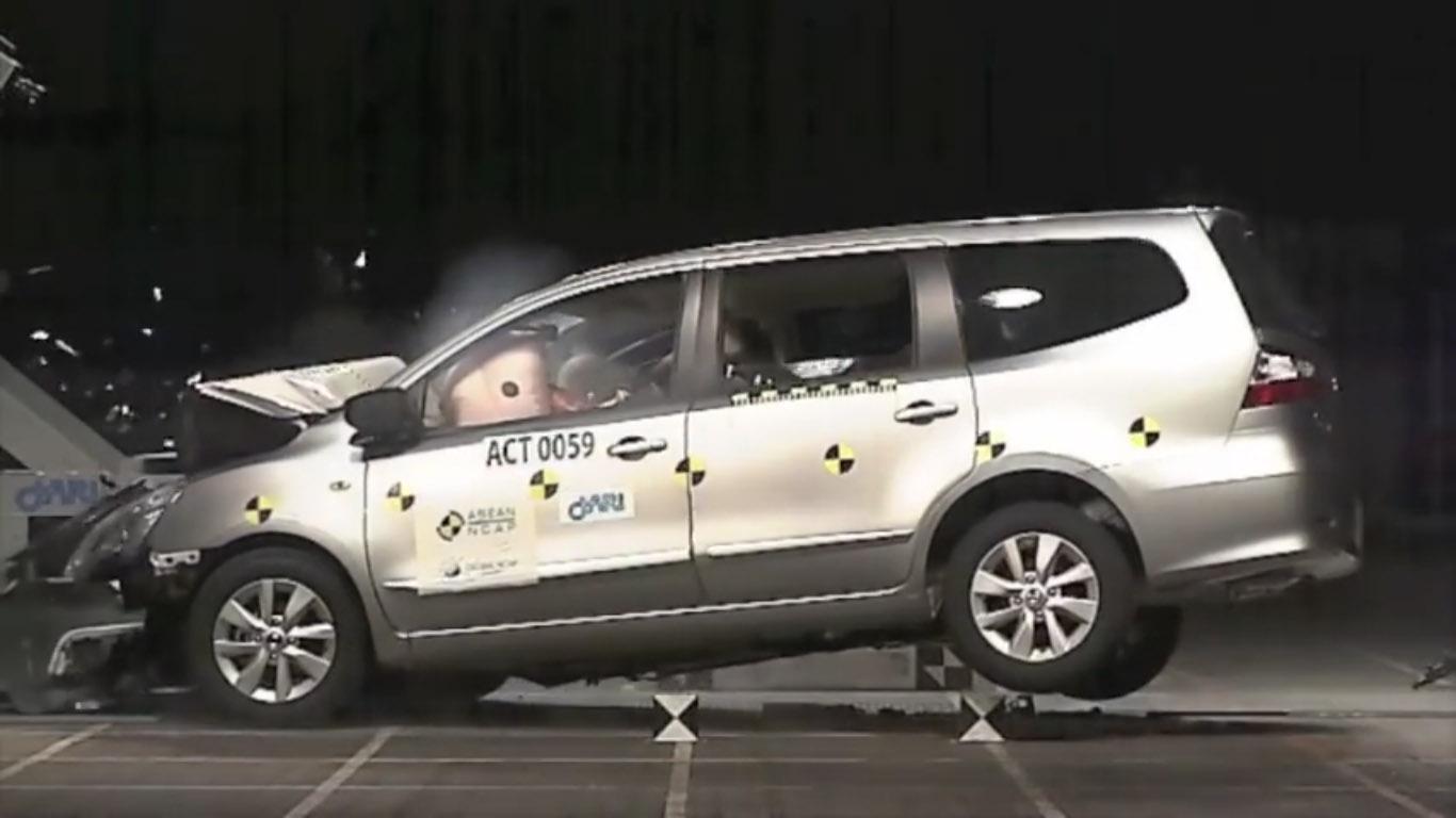 grand new avanza autonetmagz interior veloz 1.5 nissan livina dapat skor 4 bintang dari asean ncap