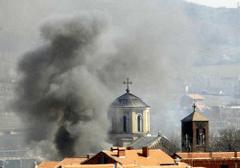 cerkiew kosovo podpalenie albańscy muzułmanie zbezczeszczenie