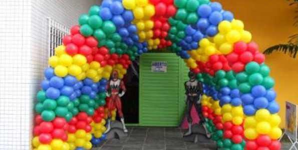 Decoração com bexigas - Arco de balões
