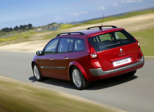 Renault-Megane_II_Estate_2003_800x600_wallpaper_06