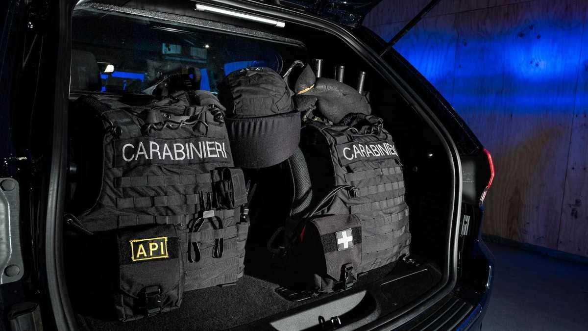 Blindirani Jeep Cherokee za Karabinjere