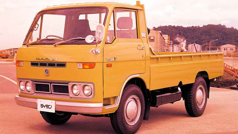 грузовик титан
