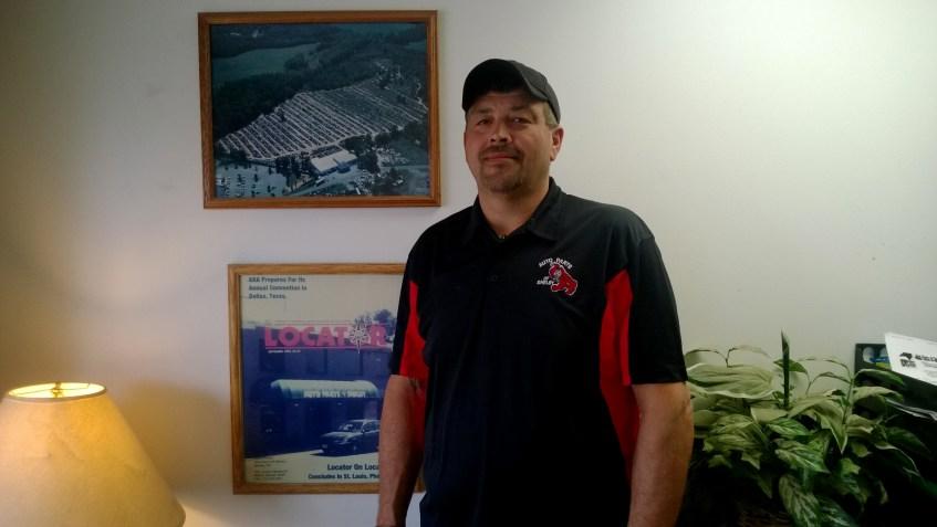 Dean Davis (Sales)