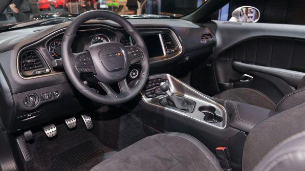 Mopar Dodge Challenger 4
