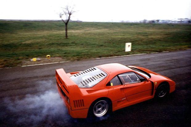 Ferrari-F40 04