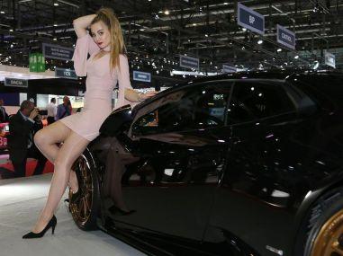 girls-at-the-2017-geneva-motor-show_1