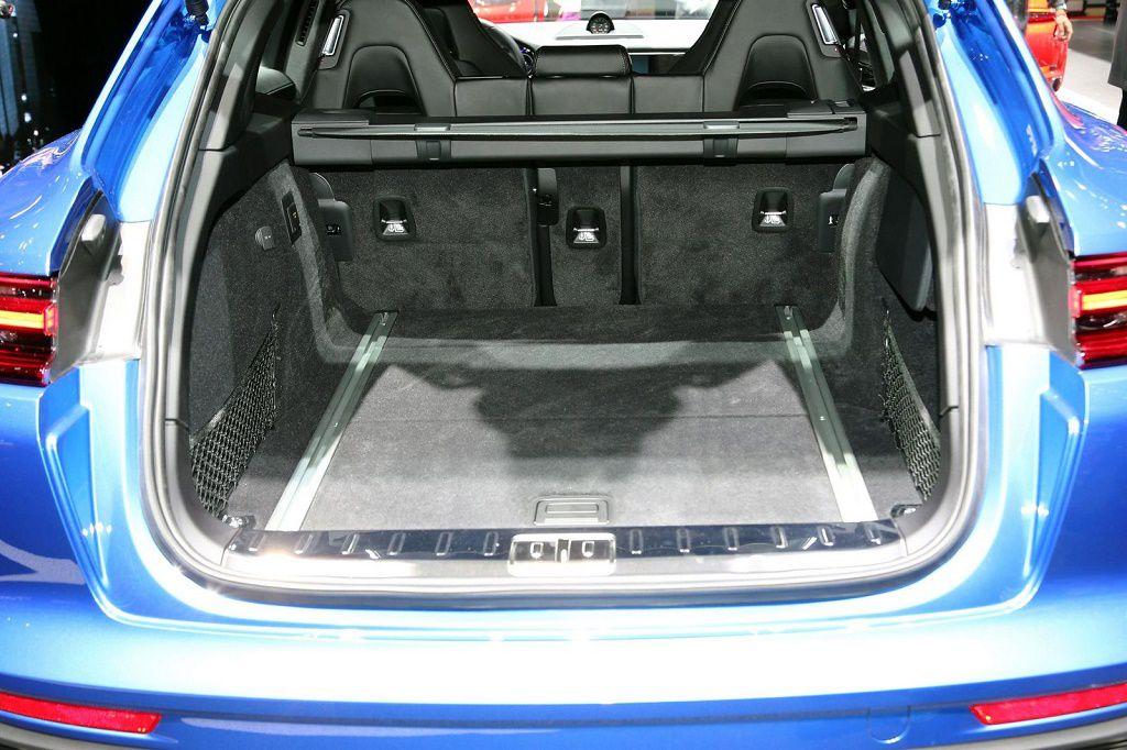 Porsche Panamera Sport Turismo -5