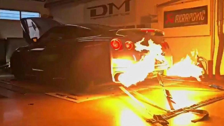 Pogledajte kako tunirani Nissan GT-R riga vatru
