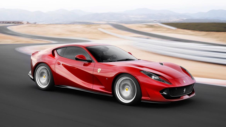 Ferrari 812 Superfast juri autocestom 319 km/h