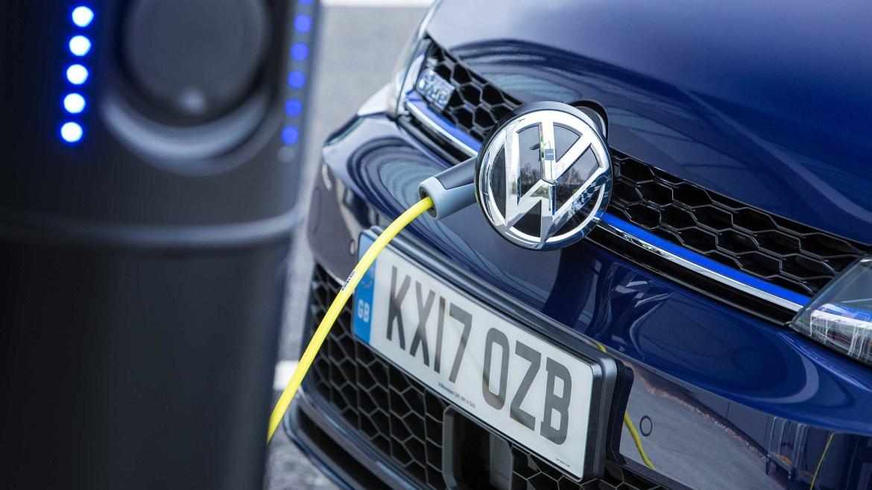 Porsche, BMW i VW zaustavili prodaju plug-in hibrida