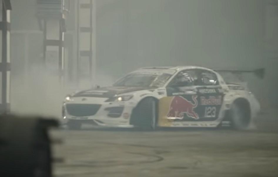Drift dvoboj: Mazda RX-8 vs. Kamaz kamion za Dakar Rally