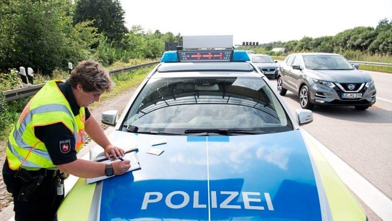 Mladi Nijemac ostao bez vozačke 49 minuta nakon što ju je dobio
