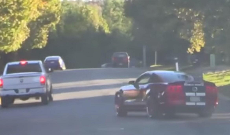 Video: Želio je ispasti frajer pa je uništio automobil