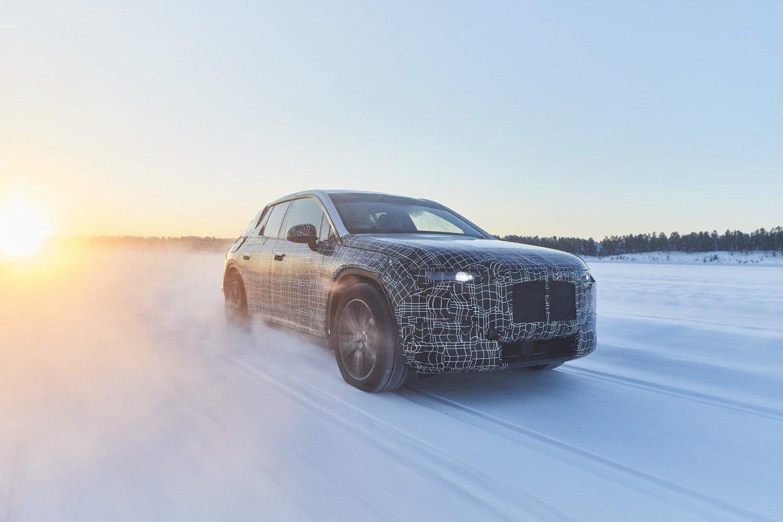 BMW iNEXT je električni SUV s autonomijom od 700 km